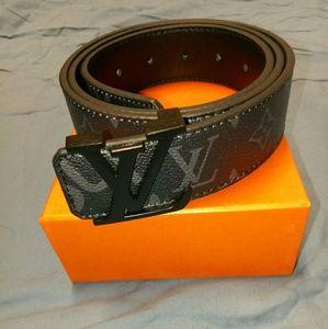 Other - Supreme belts